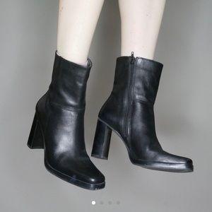 Vintage Black Leather 90's Boots